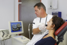 Dr. Elmar A. Rott  Zahnarzt