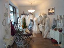 1. Bild Brautmoden mit Herz Elke Derks